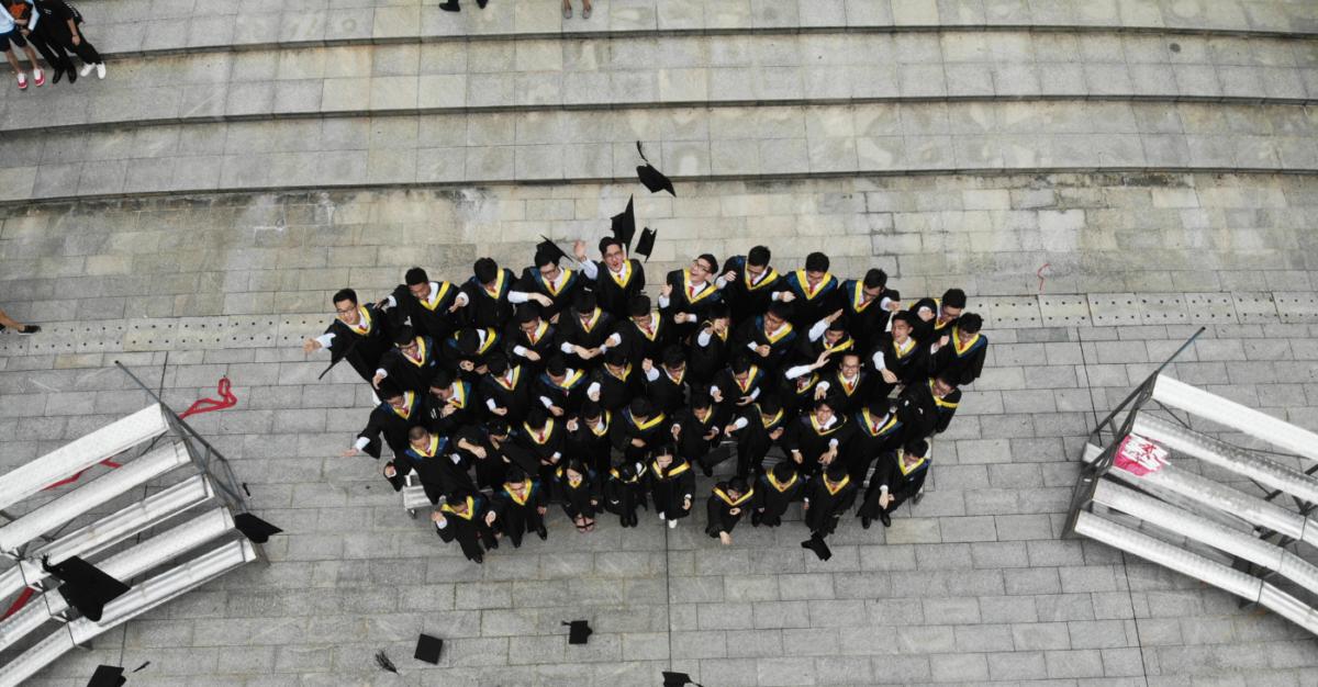 Top 3 Reasons Why Companies Should Hire Fresh Graduates